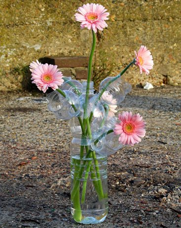 Цветы из пластиковых бутылок своими